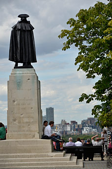 general Wolfe statue London commissioned by canadian people